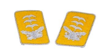 LW flying servicemen collar tabs - Hauptmann - pair - repro